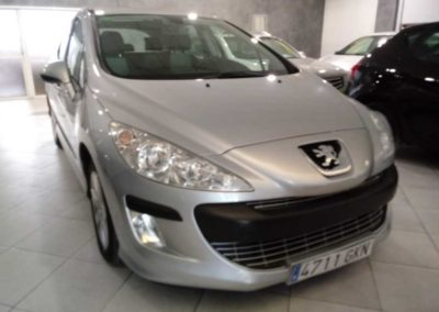 PEUGEOT 308 1.6 HDI AUTOMÁTICO // 6.600 €