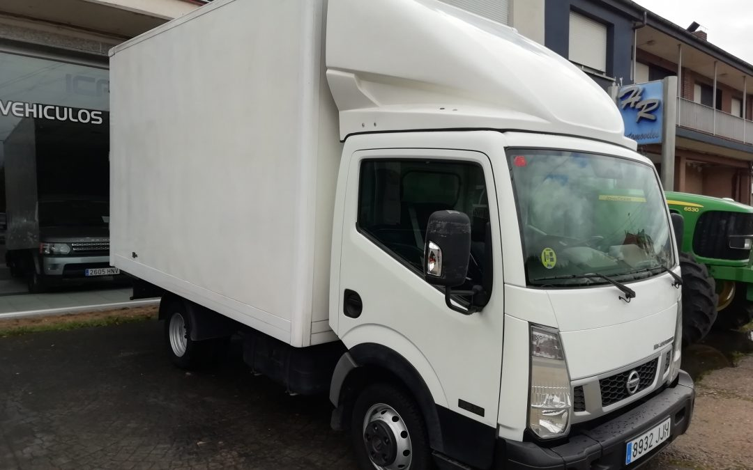 NISSAN NT 400 2.5 D CABINA ABATIBLE   //  14.500 € + IVA
